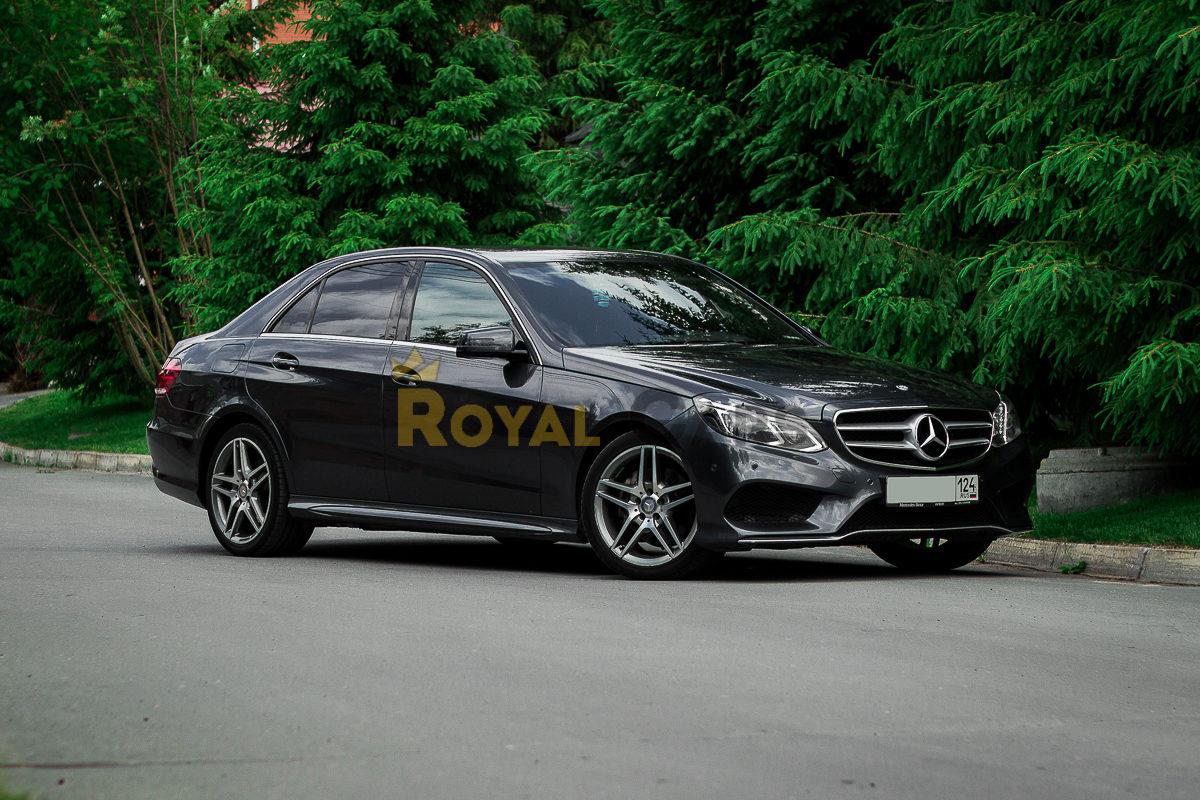 Аренда Mercedes-Benz E-class W212 dark grey с водителем в Новосибирске