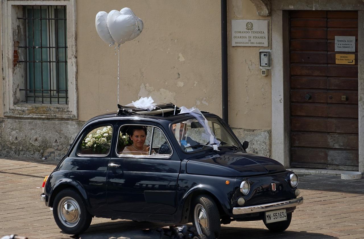 Как выбрать транспорт на свадьбу - личное авто - фото